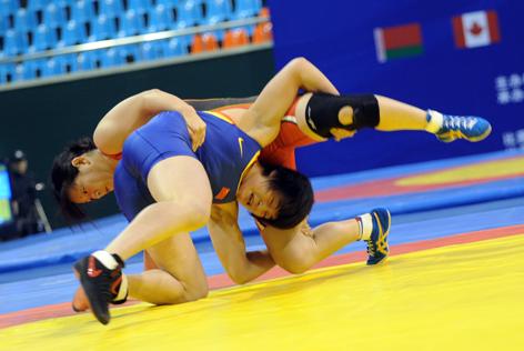 2009女子摔跤世界杯小组赛中国队获得两连胜