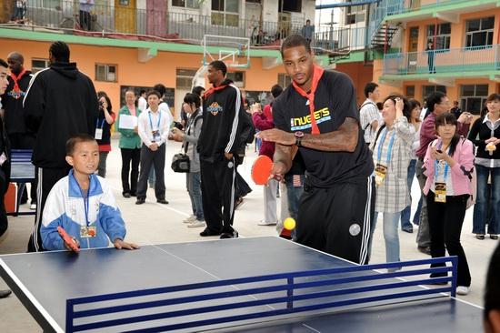 图纸与小学生打乒乓球NBA活动关怀走进小m级帆船甜瓜图片