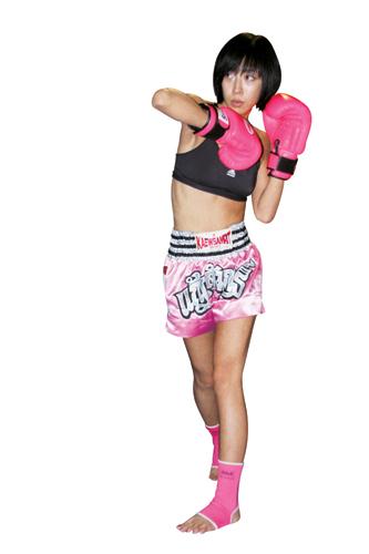 女子拳击ko腹部 女子拳击ko组图