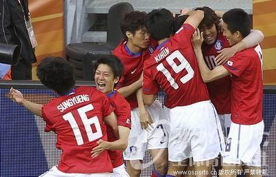 2010南非世界杯--[组图]韩国vs希腊:李正秀任意
