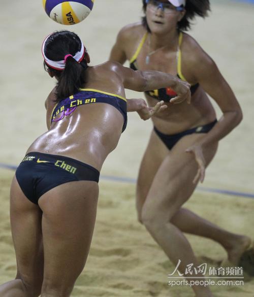 薛晨 张希成功卫冕中国女子沙排亚运三连冠 高清图片